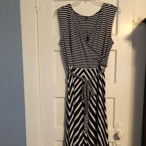 Woman's Maxi Sleeveless Dress